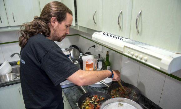 Pablo Iglesias y sus consejos culinarios al tuitero @Comunistx