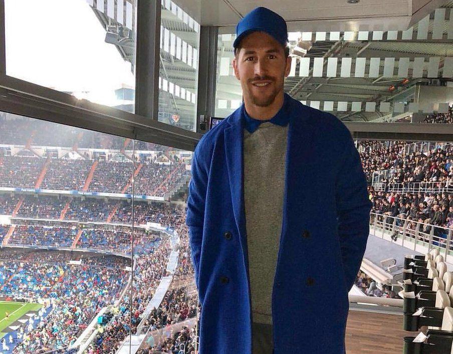 Cachondeo con Sergio Ramos y su look batamanta