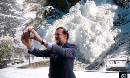Avalancha de memes del selfie de Rajoy en la nieve de Moncloa
