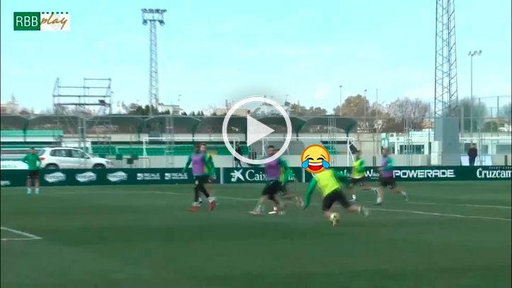 El community manager del Betis arrasa con el vídeo del tropiezo de Joaquín