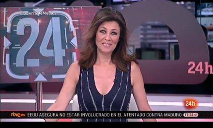 Beatriz Pérez Aranda aguanta la risa como puede en directo