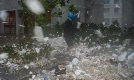 Los impresionantes vídeos del tifón Manghkut