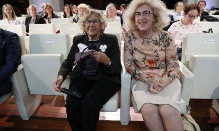 Cachondeo tuitero con el parecido entre Carmena y la embajadora polaca